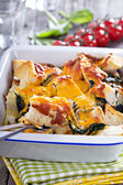 Spinach, bread and cheese strata — Stock Photo