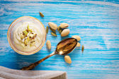 Sweet Yogurt with Saffron and Pistachios — Stock Photo