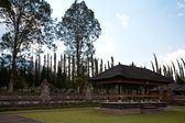 Ulun Danu temple Beratan Lake — Stock Photo