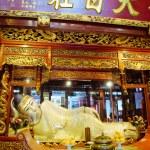 Buddha statue at Jade Buddha temple in Shanghai, China — Stock Photo #18834763