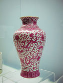 Old historic vase seen at the Jade Buddha Temple in Shanghai — Stock Photo
