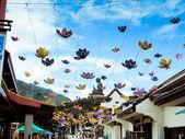 Lanterne appeso all'ingresso di un po di seta monastero lin — Foto Stock
