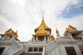 Wat Traimit in Bangkok Thailand — Stock Photo