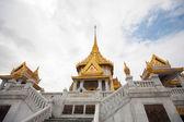 Wat Traimit in Bangkok Thailand — Stock Photo