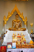 Golden Buddha Statue at Wat Traimit in Bangkok — Stock Photo
