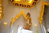 Golden Buddha Statue at Wat Traimit in Bangkok — Stock Photo