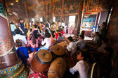 PHNOM PENH, CAMBODIA - 31 JANUARY 2014 People celebrate Chinese — Stock Photo