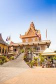 Ounalom templo contiene un pelo de la ceja de buda. camboya — Foto de Stock