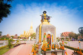 Statue of the King Chao Anouvong,  the last monarch of the Lao K — Stock fotografie