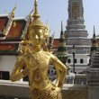 Golden statue in Grand Palace, Bangkok, Thailand — Stock Photo