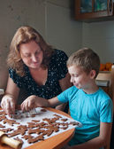 Mother and son baking cookies — Stock Photo