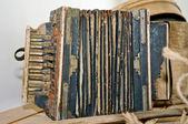 Russian traditional retro accordion — Stock Photo
