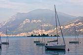 Sailboats on dawn, lake Garda — Stock Photo