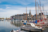 Yachts in harbour of Honfleur, France — Stock Photo