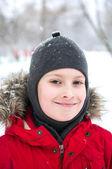 Invierno niño sonriente — Foto de Stock