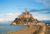 Mont Saint-Michel, high tide, autumn — Stock Photo