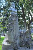Staty av fernand lol (1856-1903) i jardin botanique, pub — Stockfoto
