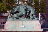 Statue from animal serie by Auguste Cain (1822-1894) in Jardin d — Stock Photo