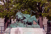 Statue from animal serie by Auguste Cain (1822-1894) in Jardin des Tuileries (The Tuileries Garden), Paris, France — Stock Photo