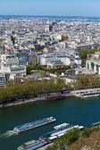 Senna a nuoto in barca turistica - aerea vista dalla torre eiffel, pa — Foto Stock