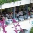 Time-lapse: tourists during dining,  Corfu, Greece — Stock Video