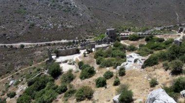 Saint Hilarion Castle in Kyrenia mountain range, North Cyprus — Stock Video