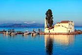 Sunset scene of Vlacherna monastery, Kanoni, Corfu, Greece — Stock Photo