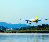 Landing of airplane, Corfu — Stock Photo