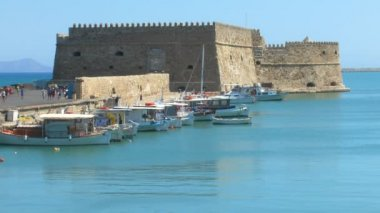 Venetian Fortress Koules and harbor, Heraklion, Crete — Stok video