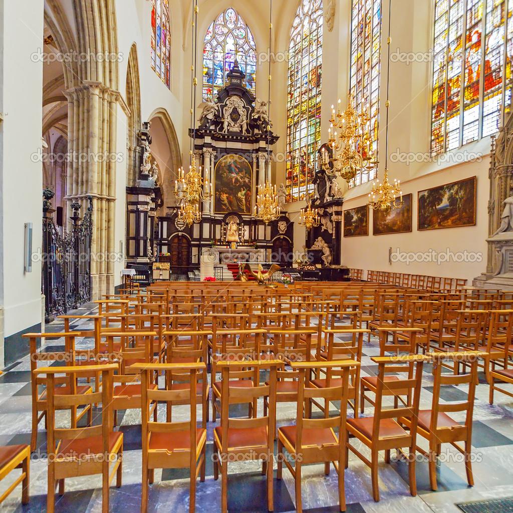 Int rieur de la cath drale de st gudule bruxelles for Interieur belgique