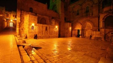 Entrance of Church of the Holy Sepulchre at Night, Jerusalem, Israel — Stock Video