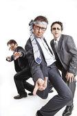 Hommes d'affaires fous dansant — Photo