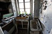 Old abandoned vintage kitchen — Stock Photo