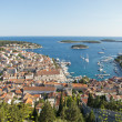 Hvar, harbor of old Adriatic island town. panoramic view. Popula — Stockfoto