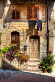 Old wall face in tuscany — Stock Photo