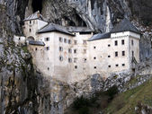 Predjama castle in the cave, slovenia — Stock Photo
