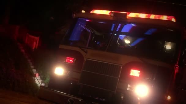 Camión de bomberos — Vídeo de stock