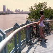 A young couple bike and sightsee on the bike trails — Stock Video