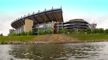 Heinz field, heimat von den pittsburgh steelers im norden shore in pittsburgh, pa. — Stockvideo