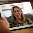 Royalty-Free Stock Imagem Vetorial: Video Chat on iPad 3011