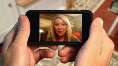 Video-chat auf smart phone 3013 — Stockvideo