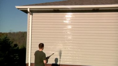 Power Washing House — Stock Video