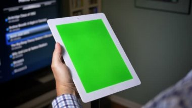 Green Screen Tablet PC at Home — Stock Video