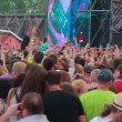Fans at live performance at the rock festival The Best City — Stock Video
