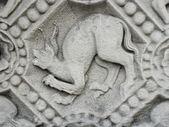 魔鬼冻结在教会的圣母坝上 — 图库照片