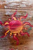 Grungy sol pintado sobre madeira lavada branca velha — Foto Stock