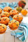 Pumpa och ost muffins — Stockfoto