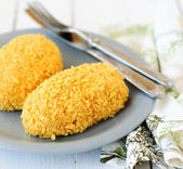 Cornflake Crusted Chicken Patties Stuffed with Cheese (Zrazy) — Stock Photo