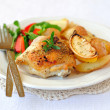 Foto de Stock  : Lemon Roast Chicken with Potatoes and Salad