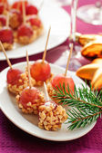 Caramel coated grapes with peanuts — ストック写真